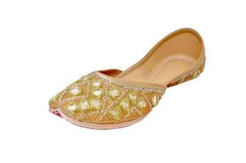 Beige color Handmade Pure Leather Punjabi Jutti