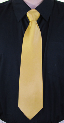 How to Tie a Half-Windsor Knot   Step 9