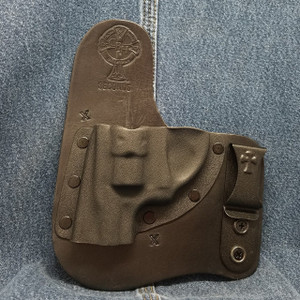 11620 CrossBreed Freedom Carry RUGER LCR 22 / Left Hand / Black Cow