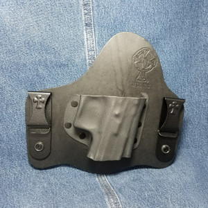 13709 CrossBreed SuperTuck MAGNUM RESEARCH BABY DESERT EAGLE III POLYMER FRAME / Right Hand / Black Cow