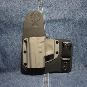 14116 CrossBreed Freedom Carry SIG P226/P227 No Rail / Left Hand / Black Cow / Sniper Gray Pocket