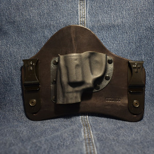 14274 CrossBreed SuperTuck SMITH & WESSON BODYGUARD 38 with Factory Laser / Left Hand / Black Cow