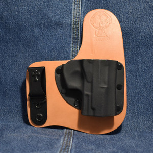 14318 CrossBreed Freedom Carry BERSA THUNDER ULTRA COMPACT PRO / THUNDER PRO / Right Hand / Premium Hardrolled Cow