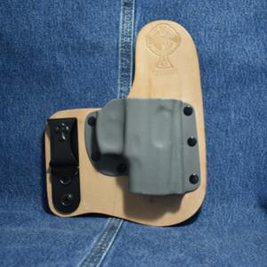 14337 CrossBreed Freedom Carry TAURUS PT111 / Right Hand / Horse / Sniper Gray Pocket