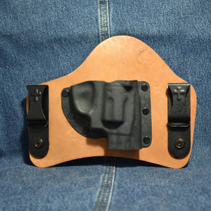7241 CrossBreed SuperTuck SMITH & WESSON BODYGUARD 38 with FACTORY LASER / Right Hand / Horse