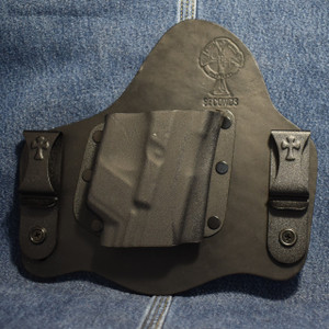 15301 CrossBreed SuperTuck GLOCK 17/19 with CRIMSON TRACE LG-452 / LG-736 / Right Hand / Black Cow