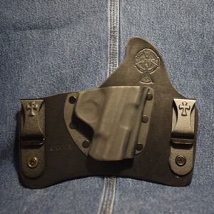 15423 CrossBreed SuperTuck SMITH & WESSON SHIELD 9/40 / Right Hand / Black Cow / Combat Cut