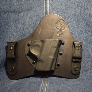 15424 CrossBreed SuperTuck SMITH & WESSON SHIELD 9/40 / Right Hand / Black Cow