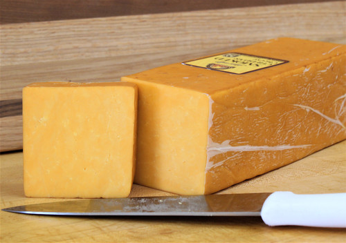 Natural Smoked Chedder, per pound