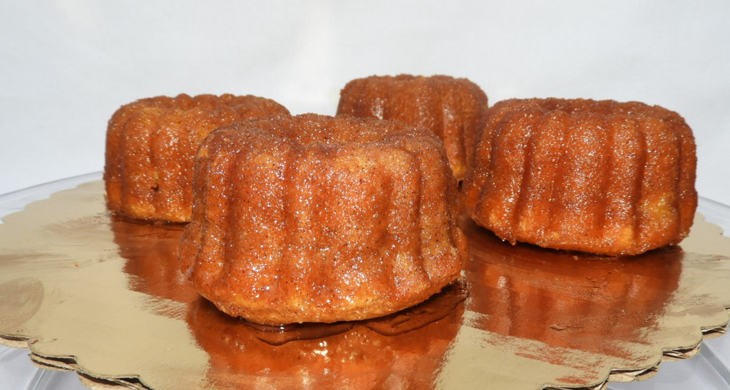 Mini Bundt Pumpkin Spice Cakes with a cinnamon spice glaze