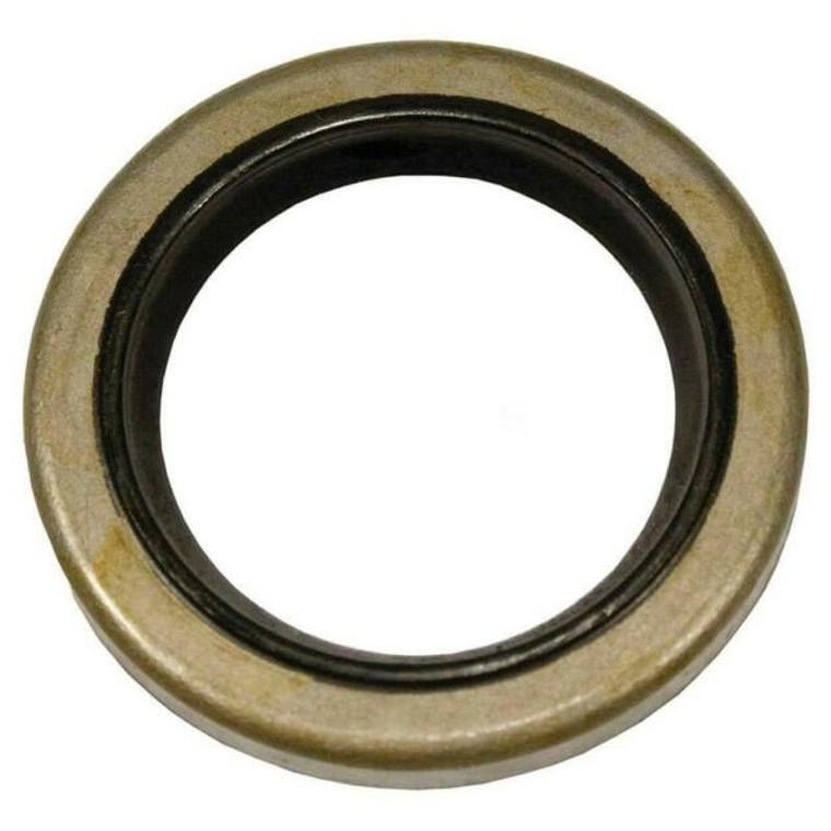 Briggs LO206 Magneto Side Oil Seal