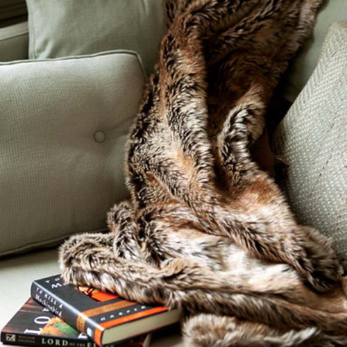 Eskimo faux fur throw Bedford Cottage