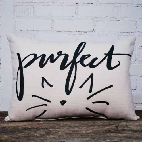 The Little Birdie, Purfect throw pillow, the perfect gift for cat lovers.