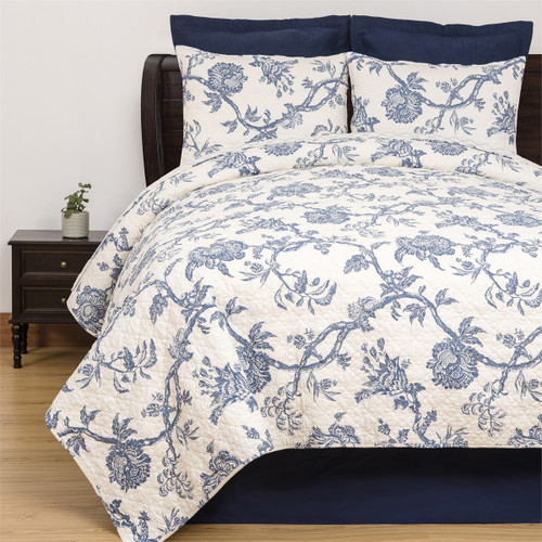 Arcadia Bedding Set, Quilt and 2 Shams, C & F Home, a traditional vine, leaf, and floral theme based on a Colonial Williamsburg pattern in soft blue and white. Reverse pattern blue and white wavy diamond
