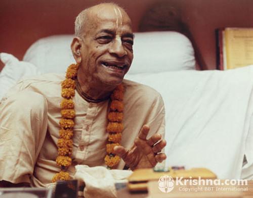 """Srila Prabhupada Photo, Mayapur Smiling: 20""""x24"""""""