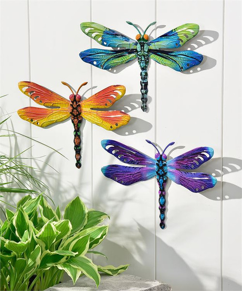 Dragonfly design wall plaque.