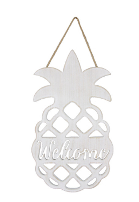 Wood Pineapple Welcome Sign