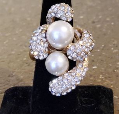 Golden Stella Jewelry RR37144-001 2 Pearl w/Paved Crystal Curved Bar Stretch Ring