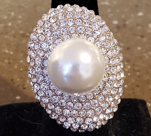 Golden Stella Jewelry RR41316-001 Crystal Paved Oval w/Pearl Ball Stretch Ring