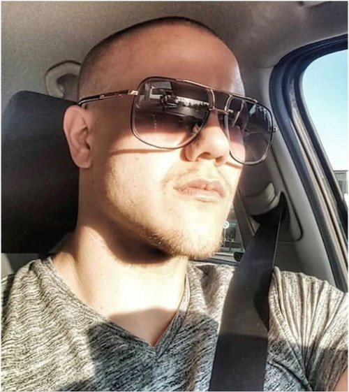 Designer Men Sunglasses  Luxury Gold Frame Square Metal Miami Style Sunglasses  Gafas Lentes Para Hombres