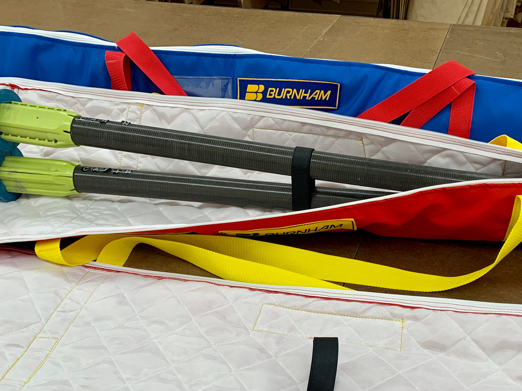 Velcro closure to keep your oars secure.