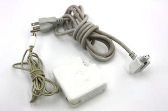 Apple Mac iBook PowerBook G3 G4 AC Adapter 100-240VAC 60Hz 127-182VA 65W 24.5V 2.65A W/ Cosmetic Damage A1021