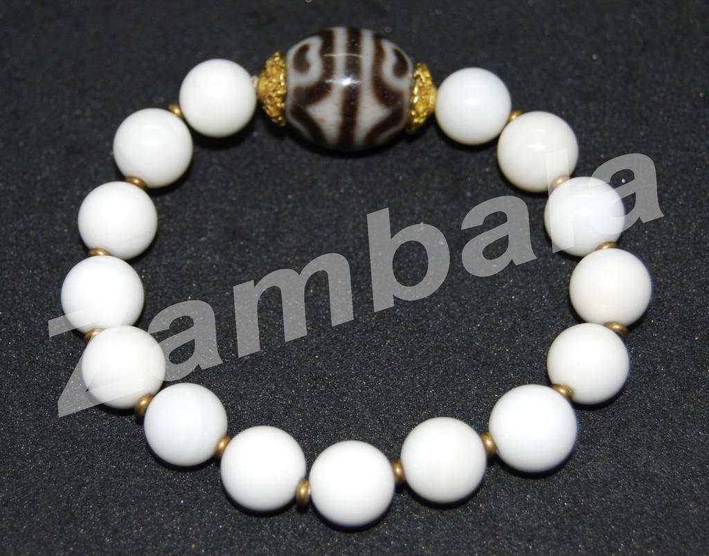 Dzi with Conch Beads Bracelet