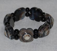 7 Carved Dragon Eye Agate Bracelet