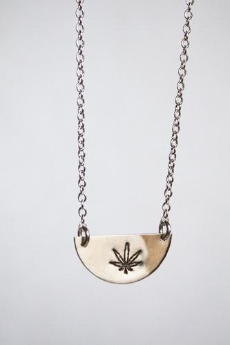 "Cannabis 18"" Chain Necklace"