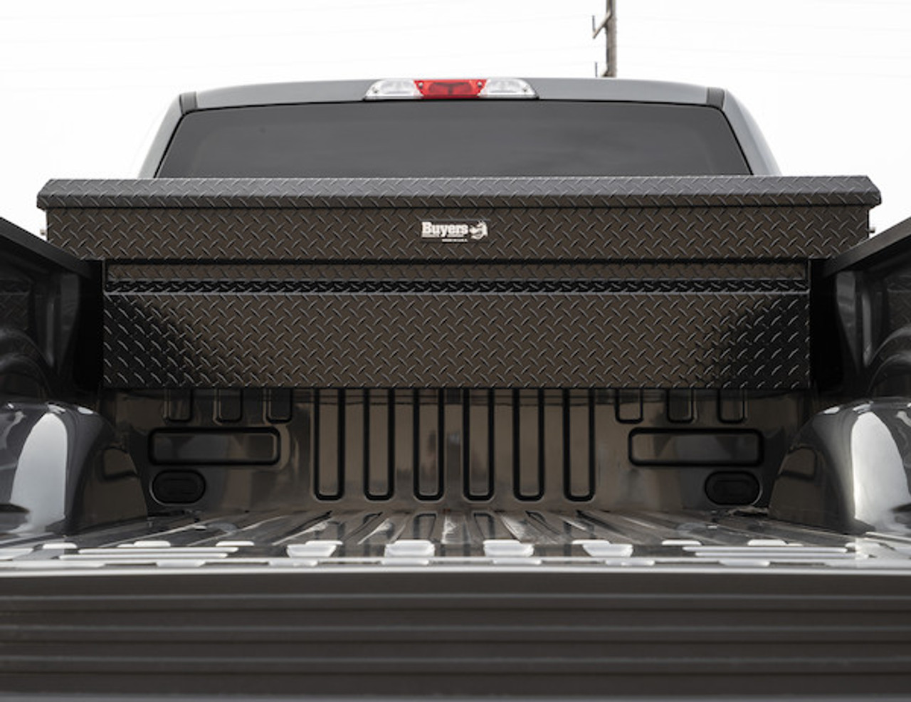"1729415 BUYERS PRODUCTS BLACK DIAMOND TREAD ALUMINUM CROSSOVER TRUCK TOOLBOX 23""HX20""DX71""W 3"