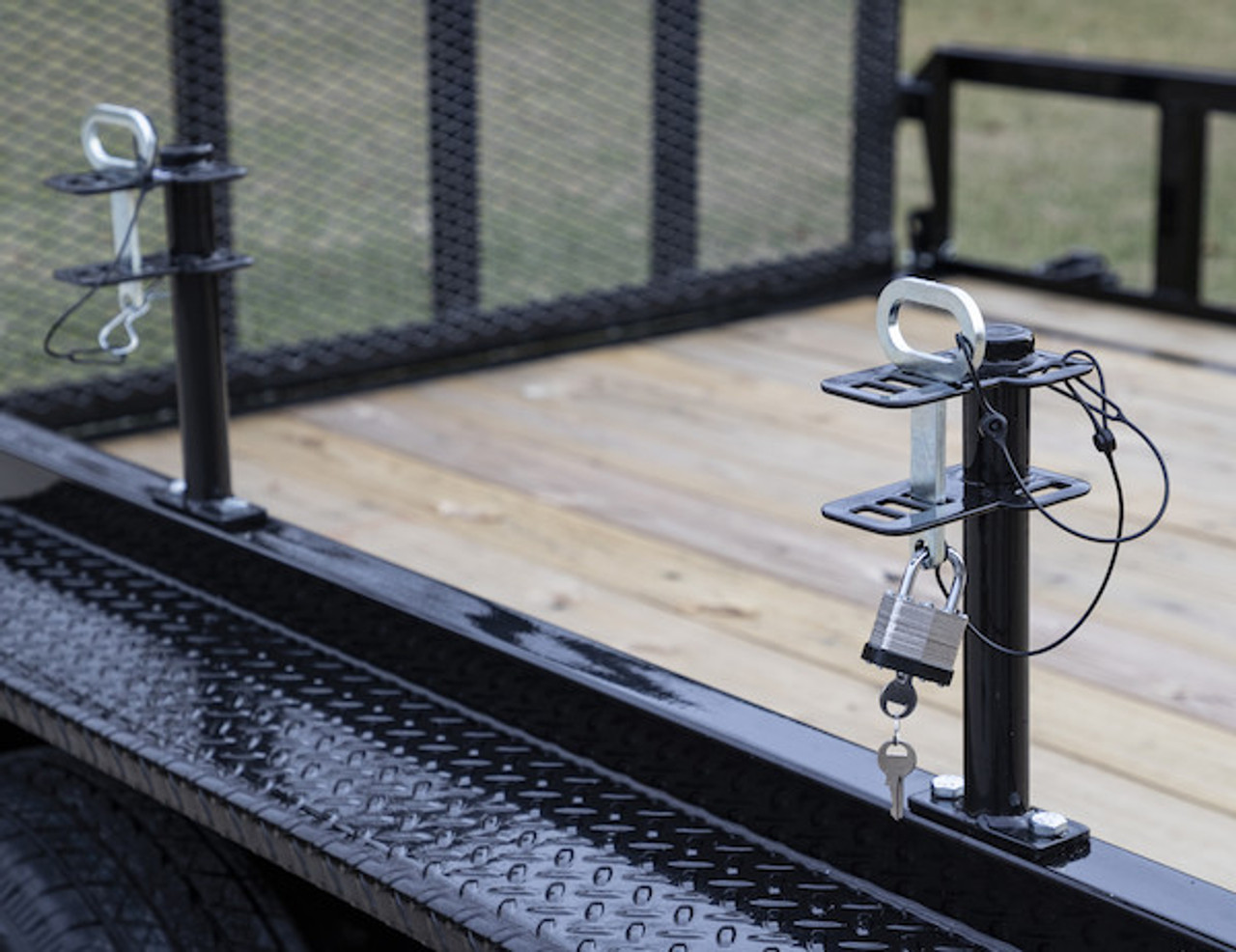 Buyers LT16 Lockable Trimmer Rack Carrier Holder for 1 Trimmer for Trailers and Trucks Picture # 1