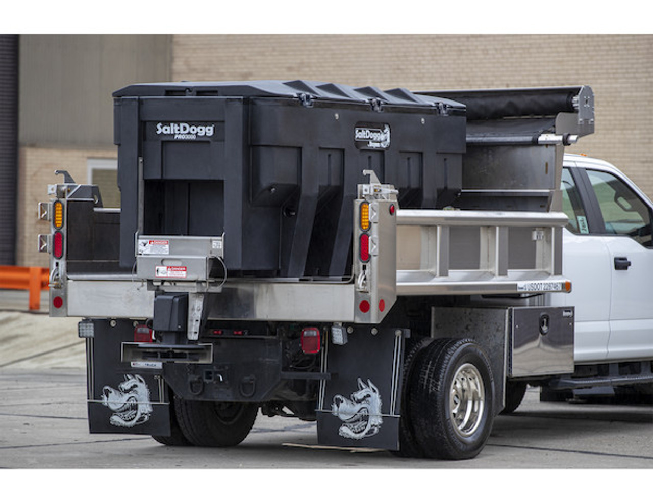 PRO3000 BUYERS SaltDogg® PRO3000 Electric Poly Hopper Spreader With Auger 5