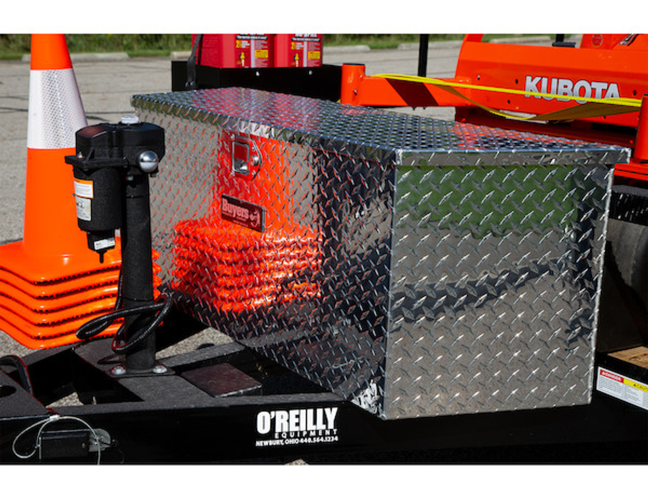 """1701380 BUYERS PRODUCTS DIAMOND TREAD ALUMINUM TRAILER TONGUE TRUCK TOOLBOX 15""""HX14.5""""DX34""""W PICTURE #"""