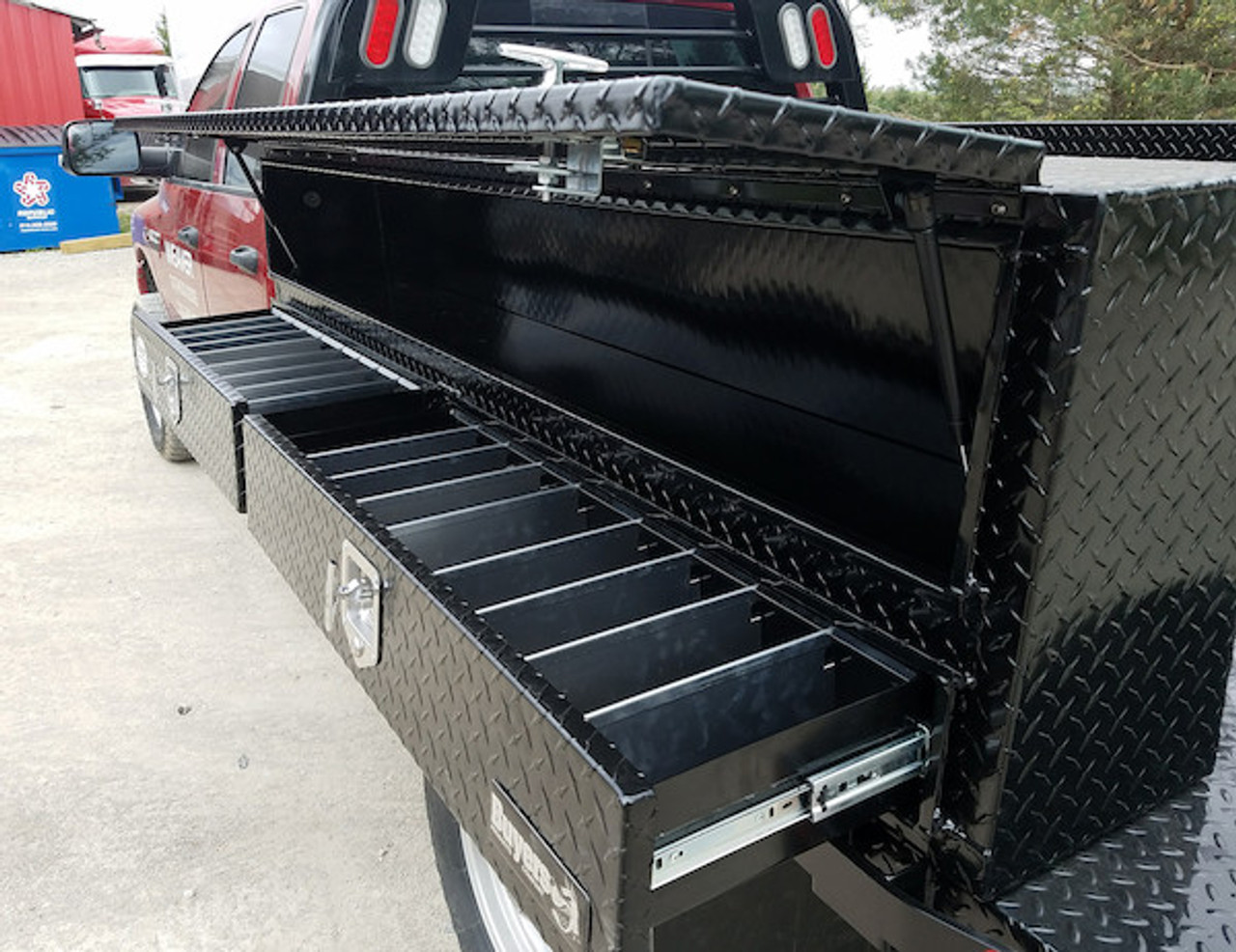 """1725641 BUYERS PRODUCTS BLACK DIAMOND TREAD ALUMINUM CONTRACTOR TRUCK BOX WITH LOWER DRAWERS 21""""HX13.5""""DX72""""W"""