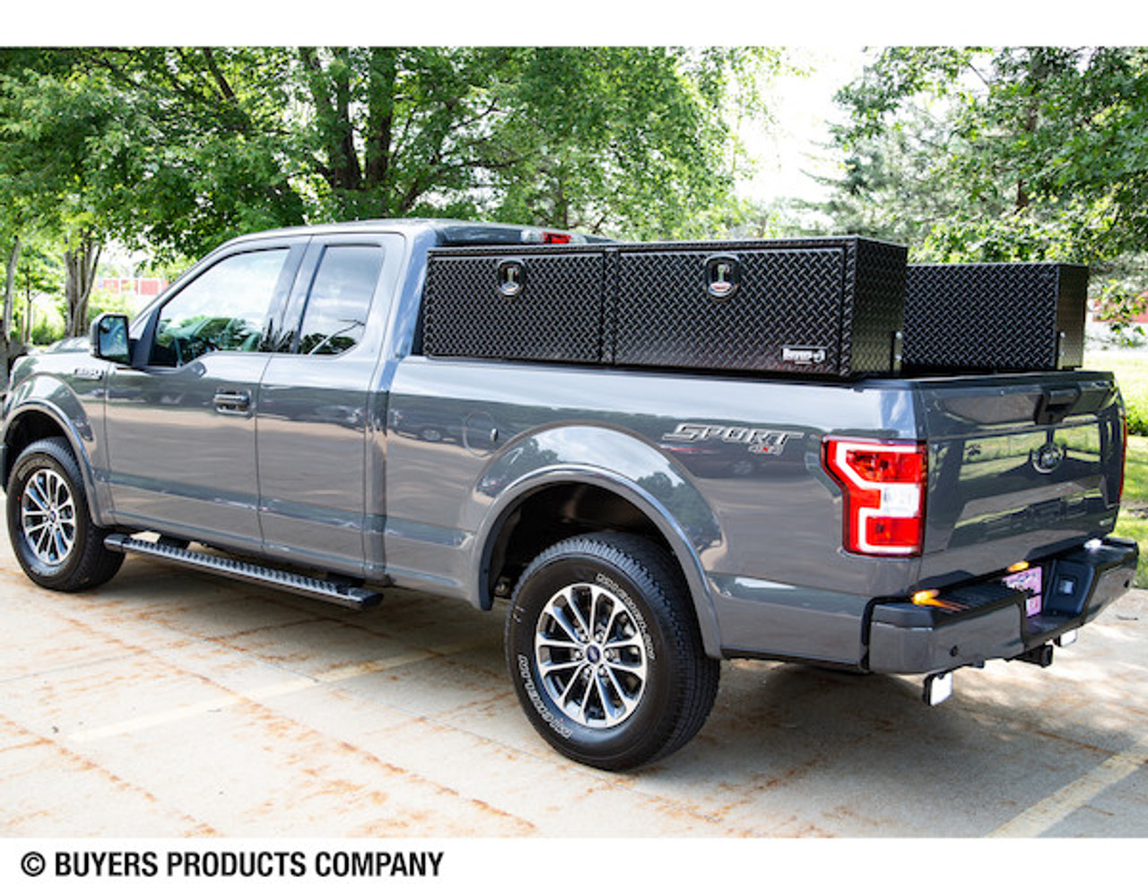 "1721556 BUYERS PRODUCTS DIAMOND TREAD ALUMINUM TOPSIDER TRUCK BOX TOOLBOX 16""Hx13""Dx88""W"