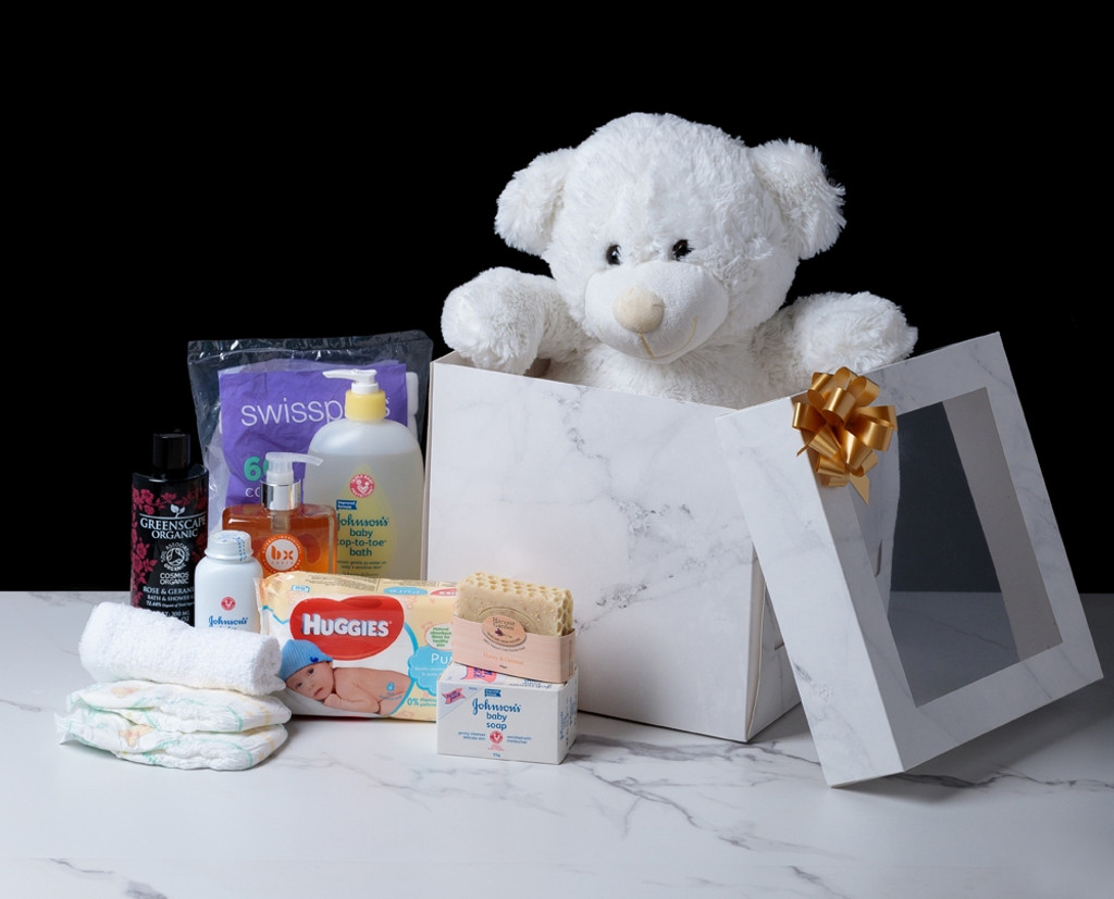 88819 rbbn5A  Baby Delights personalised gift box