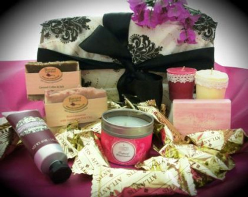 88821 BC99 Natures Gifts with soaps & candles gift box