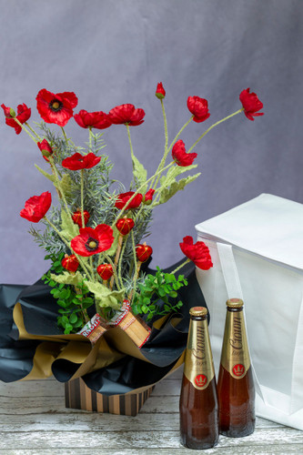 88820 SFA2 Anzac Day Poppies, Lager & Chocolate Gift Bag delivered