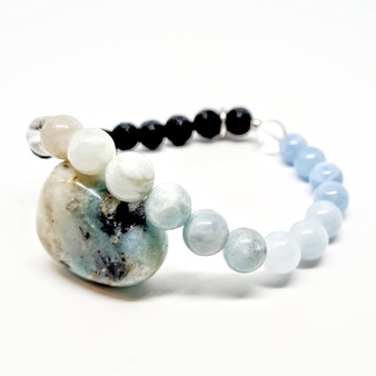 Aquamarine is know for its tranquility and stress relieving properties with a close connection to the water elements, you can see the full range of the oceanic spectrum of  colours. As a calming stone its natural use is to create bliss in your everyday. Aquamarine is most helpful in assisting with those who are trying to conceive, naturally or via IVF processes. A womb that is serene is a womb that is potentially ready to conceive. Aquamarine is intergral part of our Fertility Bracelet. It is a strong crystal, often used during meditation to strengthen your aura while cleansing negative energies from within. We often hold onto negative energies, as opposed to processing them and letting them flow through our bodies. Also a parents best friend, not only can it calm you down, it can shorten severities of unecessary tantrums.  Zodiac: Pisces  Chakra: Throat  Candle colour: Aqua blue