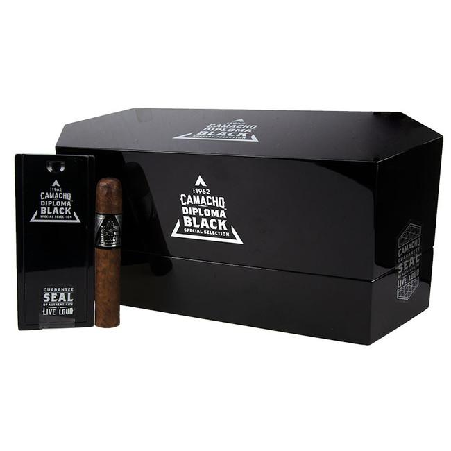 Camacho Diploma Black Special Selection Robusto Coffins