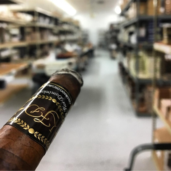 Evaluating an Online Cigar Store at a Glance