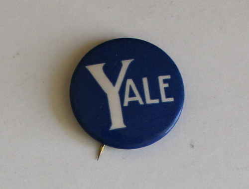 Classic Yale 1950s Pin Back Button - Free Shipping
