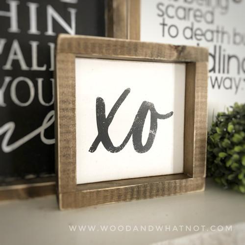 XO tabletop sign