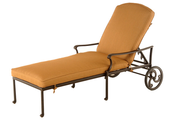 Bella Chaise Lounge by Hanamint