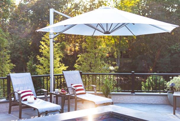 Aurora Premium 11F Cantilever Umbrella by Frankford
