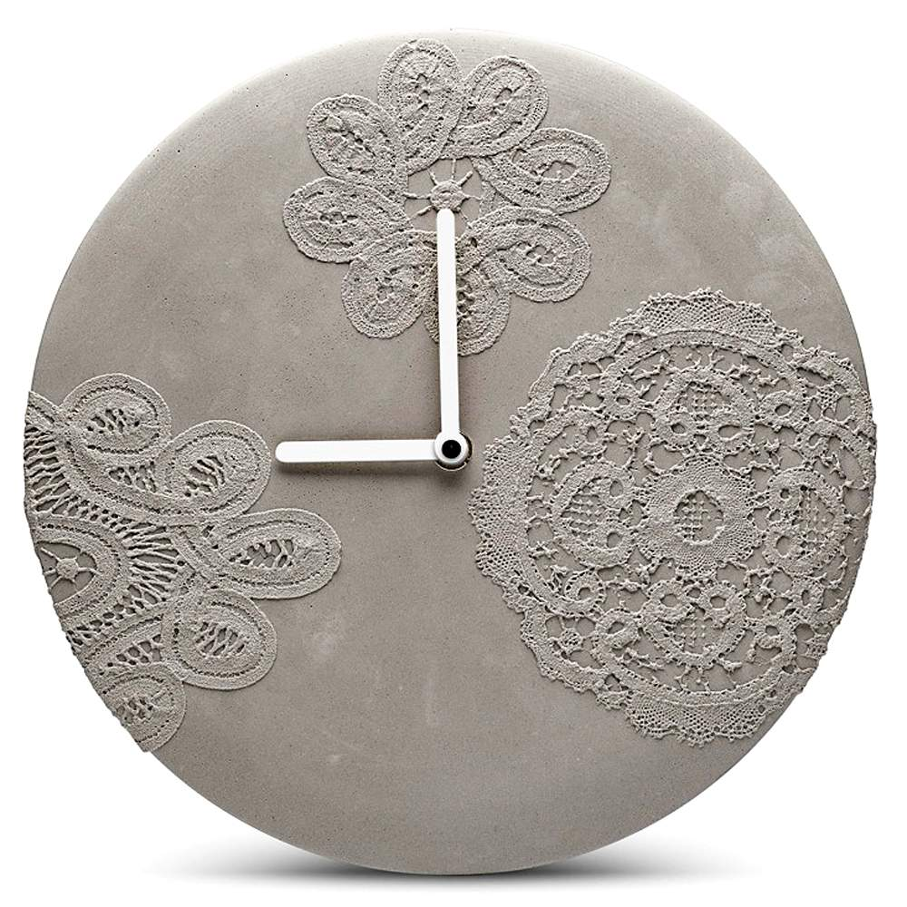 MENSCHMADE concrete wall clock large with Brussels Lace pattern (Ø 27 cm)