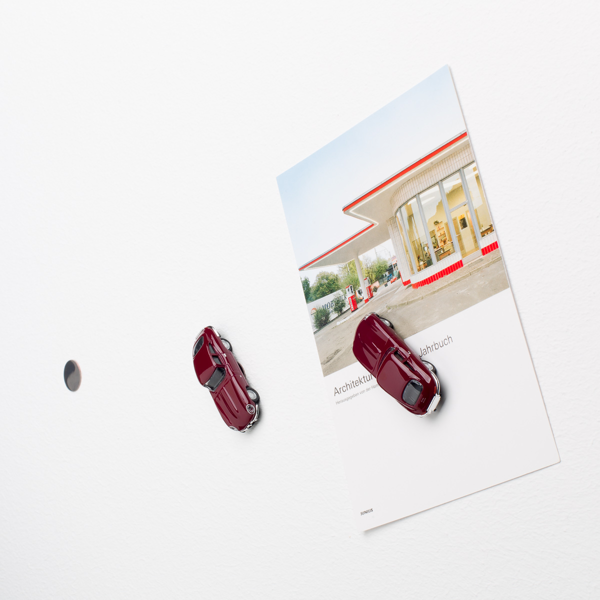 Jaguar E-Type with Neodym magnet used as fridge magnet | The Design Gift Shop
