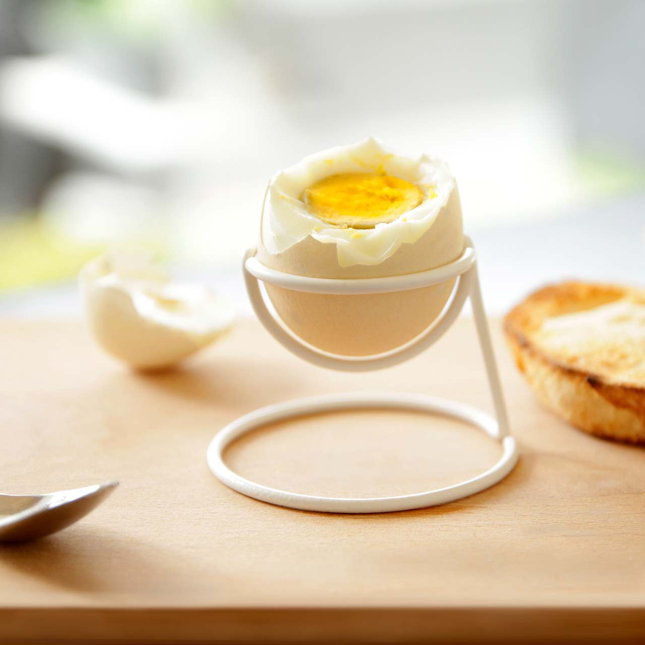 Bendo egg cup Yolk Luxe in white | The Design Gift Shop