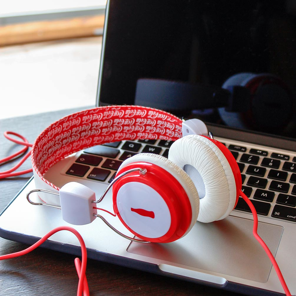 Coca Cola Collectable Retro Vintage Headphones Red & White | The Design Gift Shop