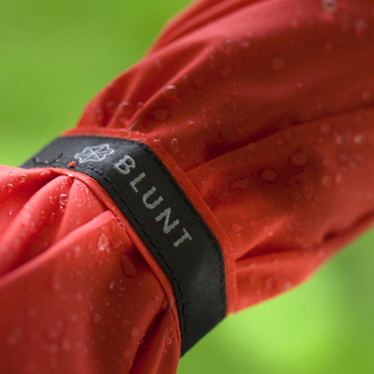 BLUNT umbrella Metro Red | the design gift shop